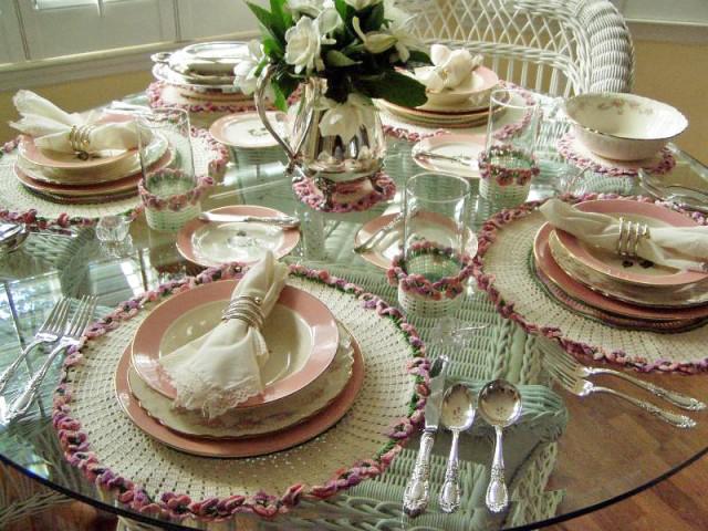 Crocheted Luncheon Set
