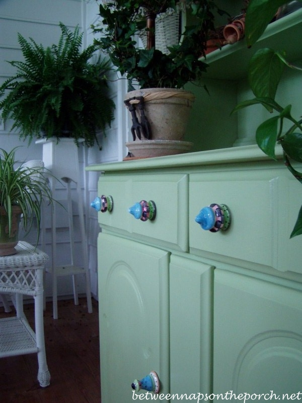 Decorative Colorful Knobs for Painted Hutch_wm