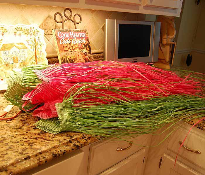 Grass Hula Skirts for Whimsical Table Cloth