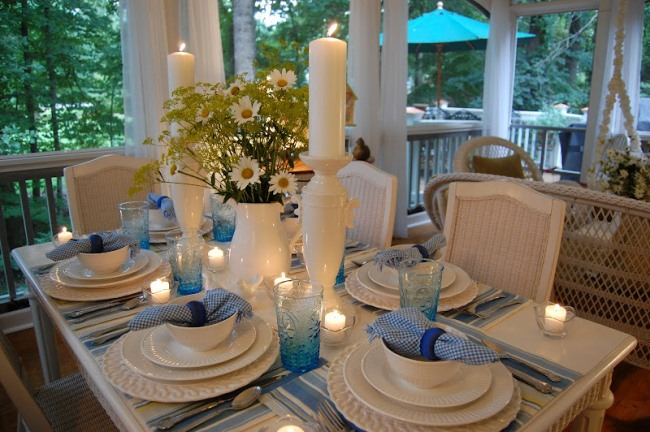 Summertime Table Setting Tablescape on the Porch