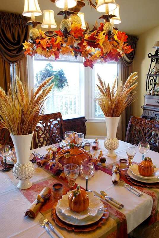 Fall-Halloween Table with Beautiful Wheat Centerpiece