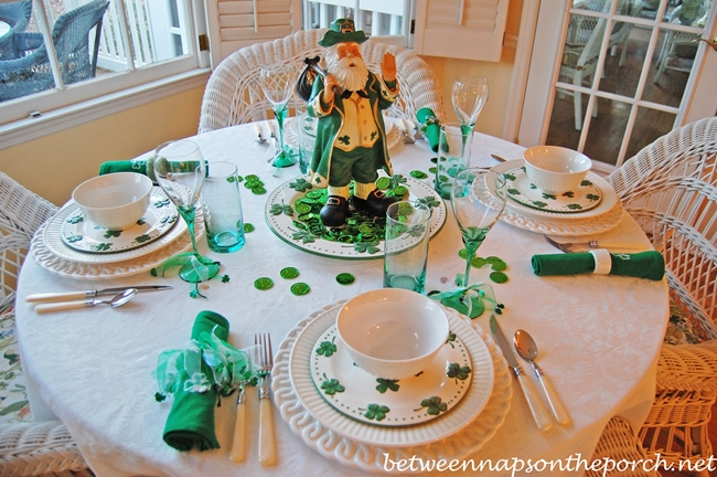 St. Patrick's Day Table Setting Tablescape 09