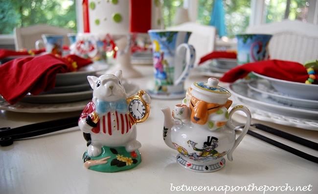 Alice in Wonderland Salt & Pepper Shaker