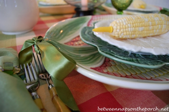 Summer Table Setting with Corn on the Cob and Corn Chargers