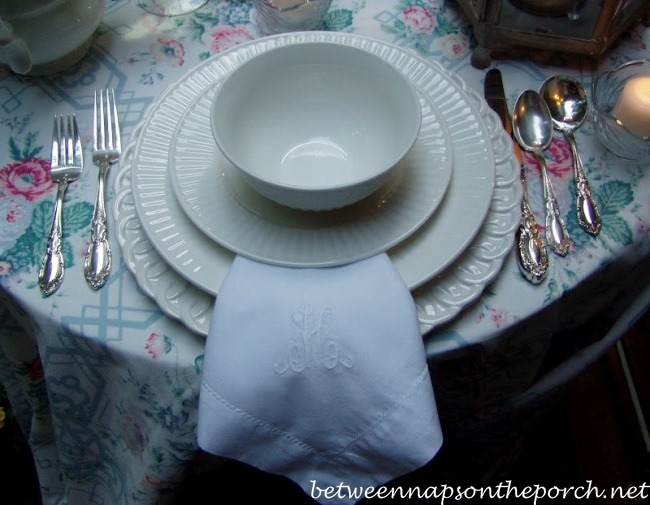Summertime Table Setting