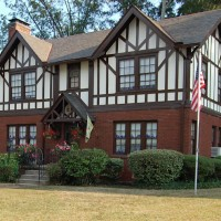 Touring Historic Avondale Estates