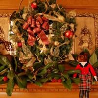 Hunt-Themed Christmas Mantel