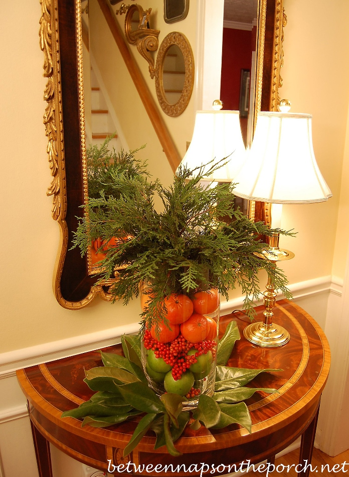 Easy Christmas Centerpiece You Can Make in 15 Minutes Using Greenery from Your Yard