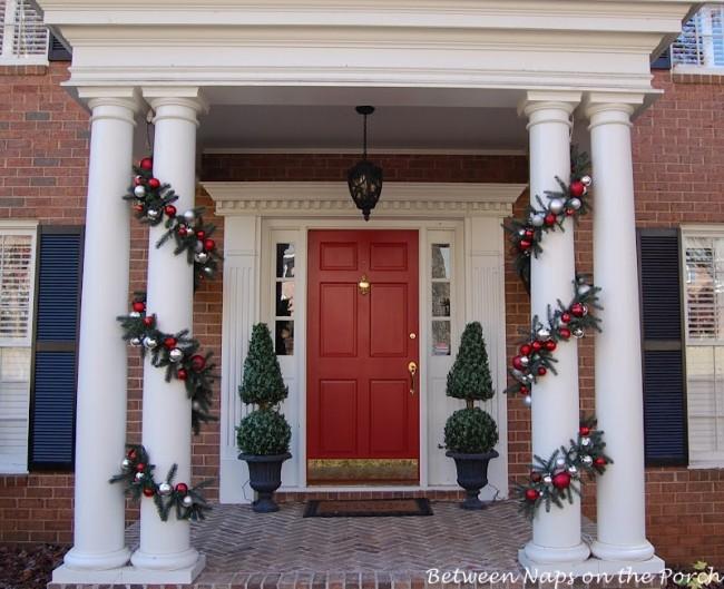 columns christmas garland