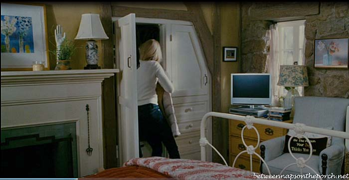 Bedroom in the Christmas Movie, The Holiday