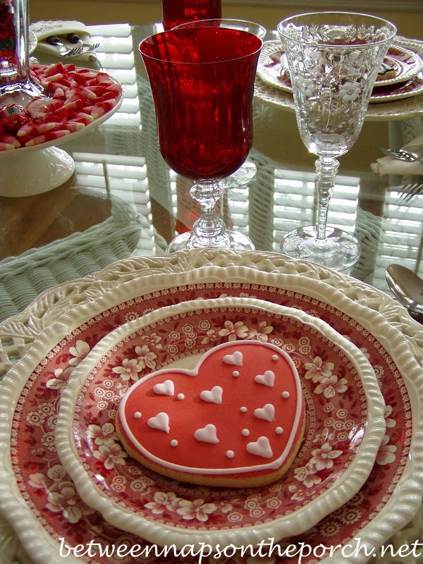 Valentine Day Table Setting Tablescape