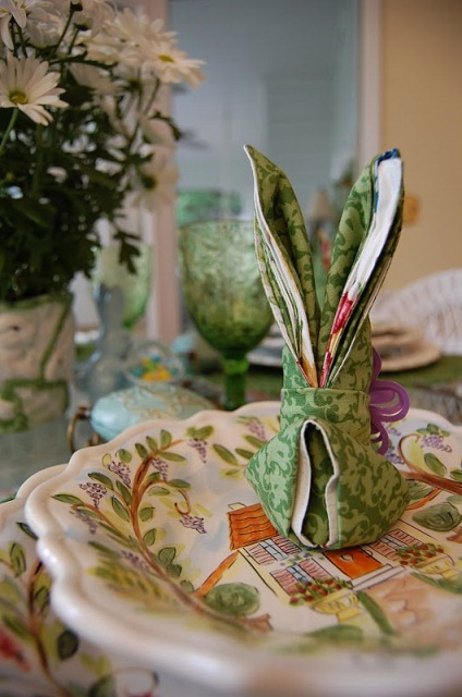 Bunny Rabbit Napkin Fold Tutorial for Easter Table Settings