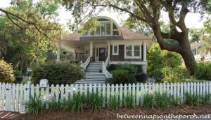 Home in Isle of Hope, Savannah