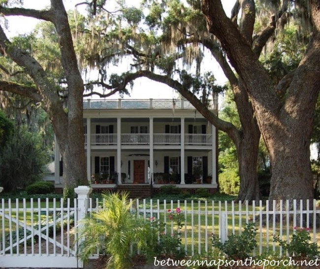 Isle of Hope Historic Home with Live Oaks