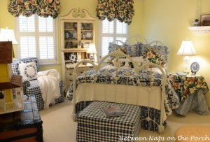 Blue-White-Guest-Room