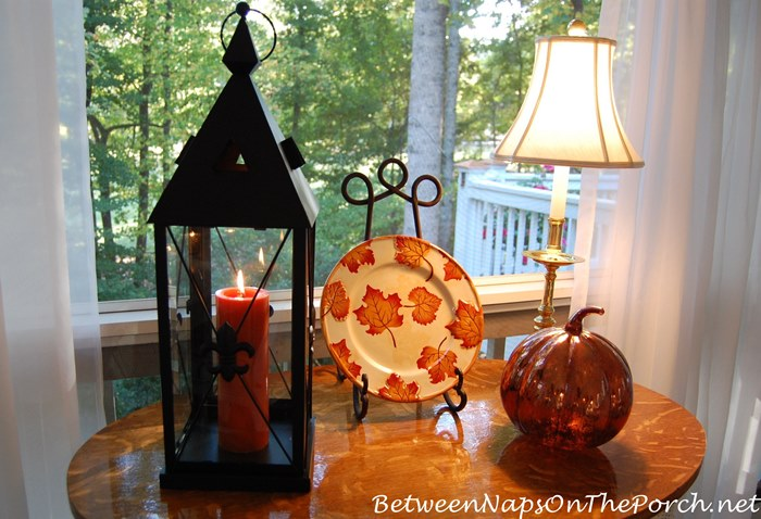 decorating-a-porch-for-the-fall-season
