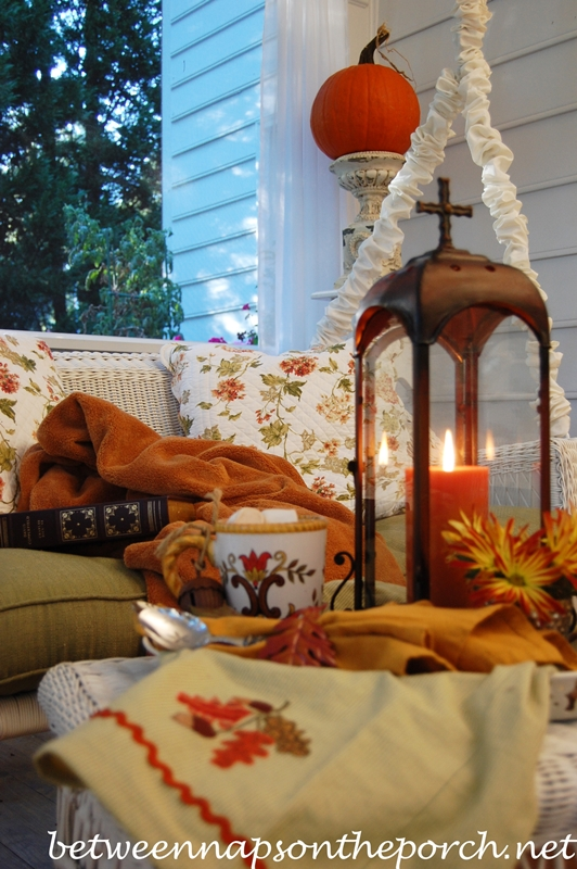 Hot Chocolate Table Setting Tablescape for Fall 2