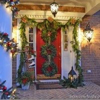 Christmas Door Ideas: Decorate with Triple Wreaths