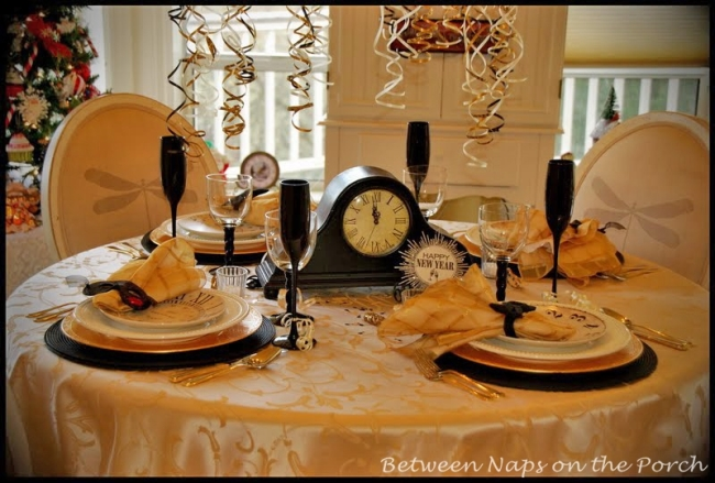 New Year\'s Tablescapes and Table Settings