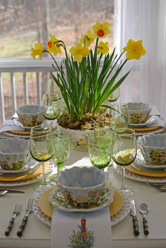 Springtime Tablescape with Dafffodil Centerpiece and Ma Maison Dishware