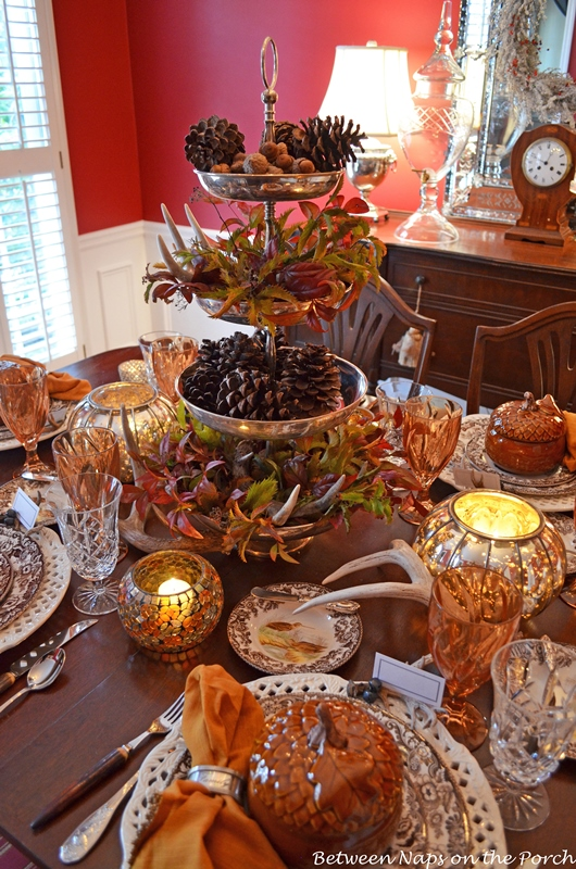 Thanksgiving Tables Setting with Natural Centerpiece 2