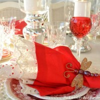 Valentines Day Tablescapes & Table Settings