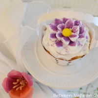 Make Marshmallow Flowers for Cupcakes: A Tutorial