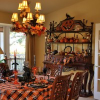 Halloween Table and Mantel…Spooky!