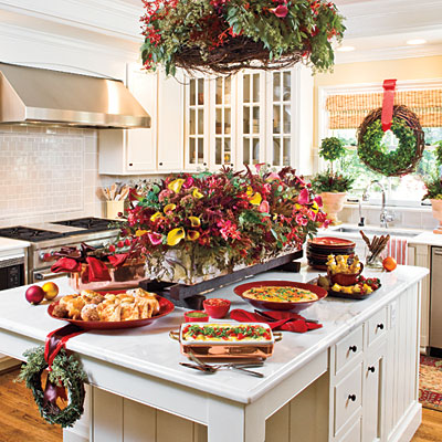 Decorate with wreaths inside Brunch table decorations