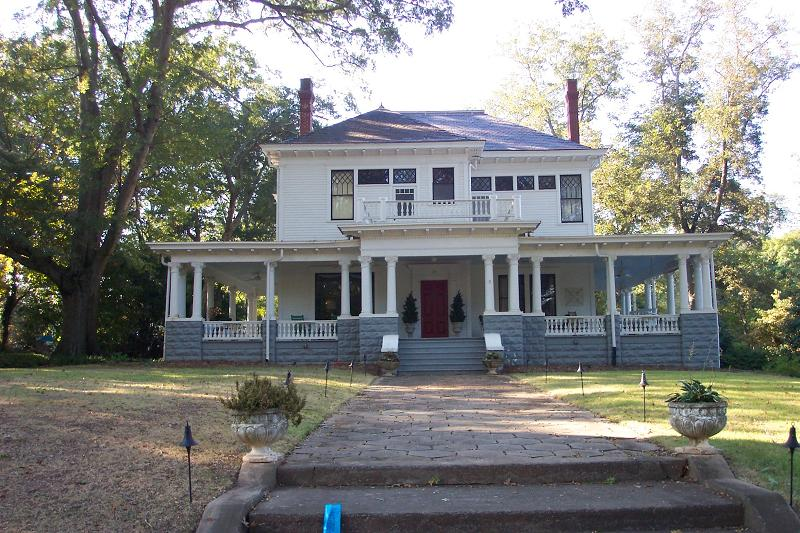 Two beautiful historic homes take the tour for Home builders in newnan ga