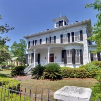 Historic Home Tour: An 1880 Victorian Mansion, Beautiful & Bright