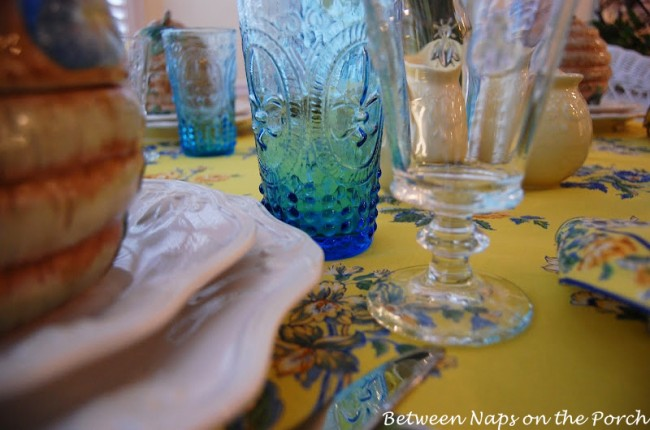 Daffodil, Lavender, Bumble Bee Table Setting