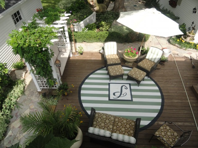 paint a rug on your deck
