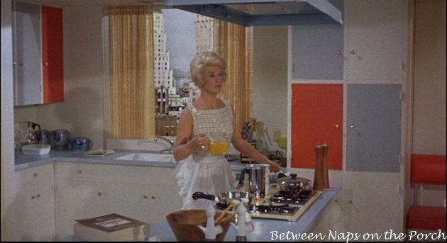 Lover Come Back: Carol's (Doris Day) Apartment