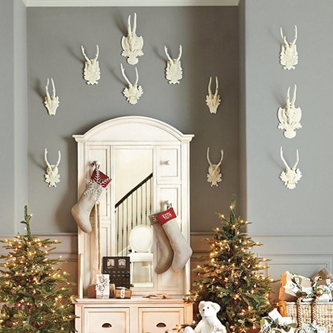 Decorating with White Faux Antlers Heads for Christmas
