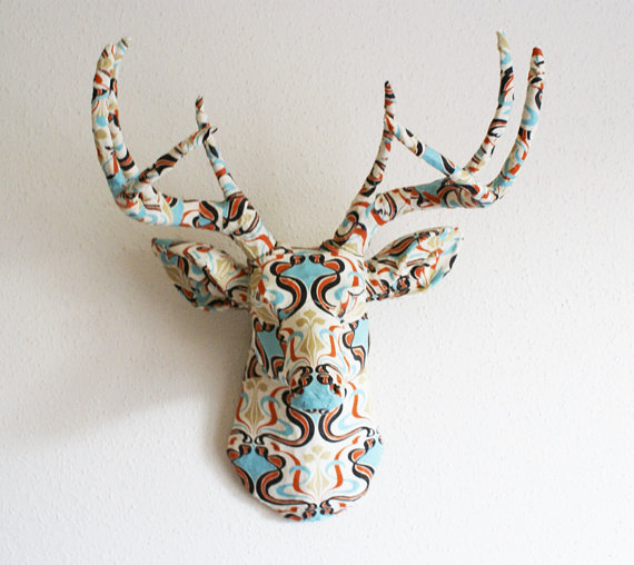 Decorating With Deer Heads And Antlers Real And Whimsical