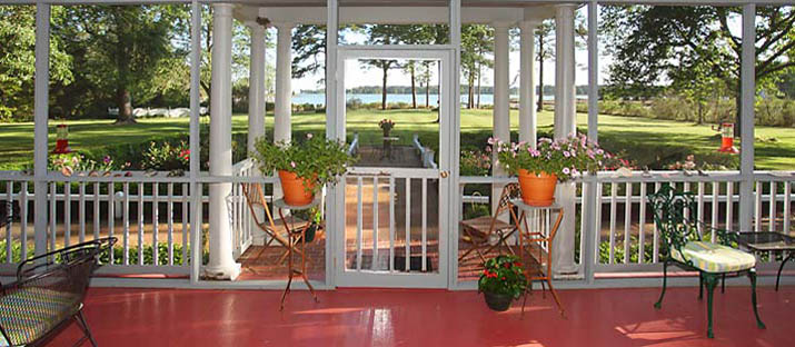 Beautiful Screened Porch in Traditional Home in Virginia