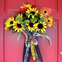 A Fall Door Arrangement You Can Make in 5 Minutes (or less)