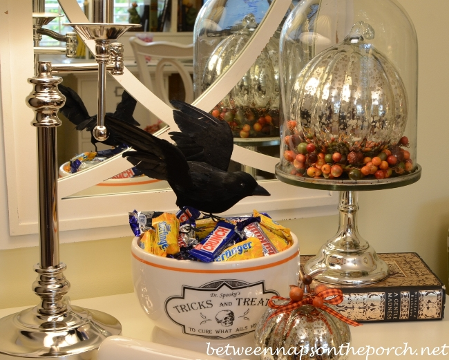 Halloween Decorating Fun Vignettes