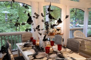 Halloween Tablescape with Crow Tree Centerpiece 04