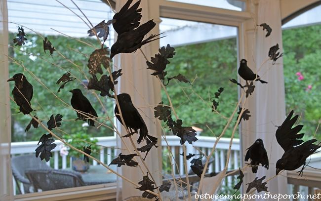 Halloween-Tablescape-with-Crow-Tree-Centerpiece