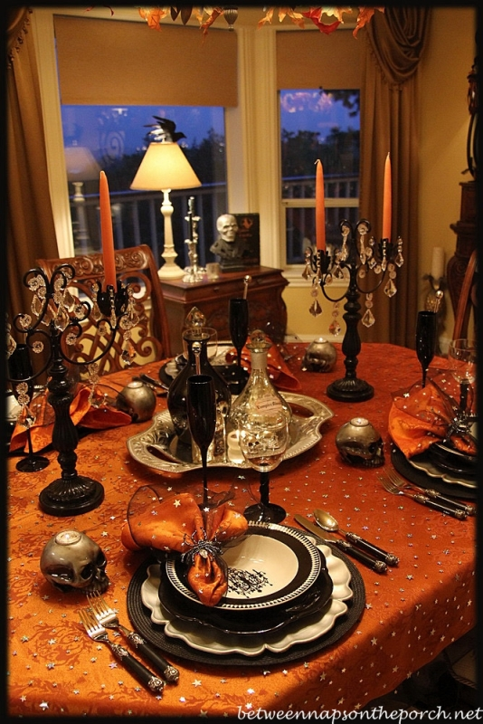halloween tablescape elegant eerie. Black Bedroom Furniture Sets. Home Design Ideas