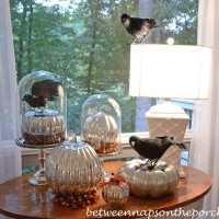 Decorating the Screened Porch for Fall & Halloween