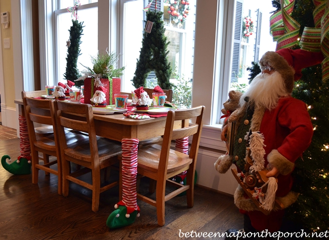 Children's Christmas Table Setting Tablescape