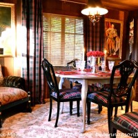 Christmas Tablescape in Russian River Dacha Cabin 8_wm
