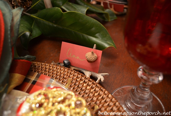 DIY Placecards Made from Cardstock and Acorns_wm