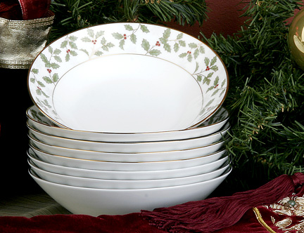 Holly and Berry Bowls by Noritake