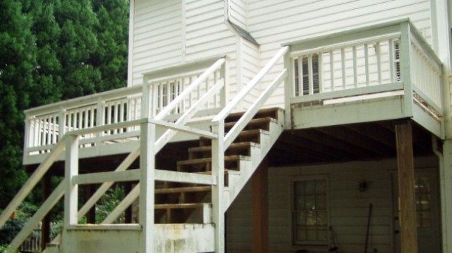 Deck Renovation And Screened In Porch Addition