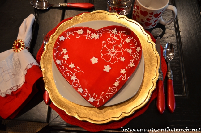 Valentine's Day Table Setting Tablescape
