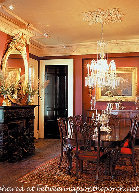 Dining Room in Houmas Plantation House